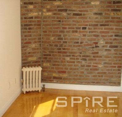 3 Bedrooms, Lower East Side Rental in NYC for $5,038 - Photo 2