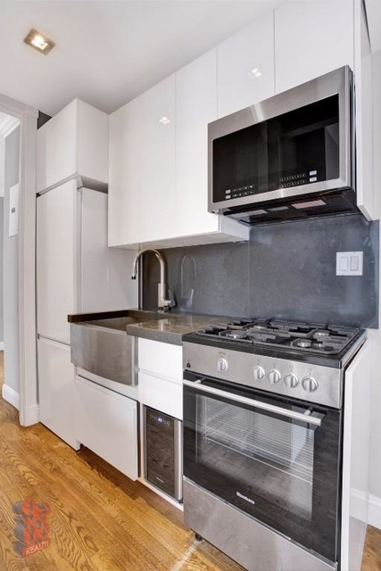 2 Bedrooms, East Village Rental in NYC for $4,763 - Photo 2