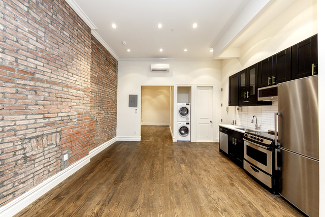 1 Bedroom, East Village Rental in NYC for $4,308 - Photo 2