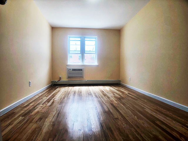 2 Bedrooms, Mill Basin Rental in NYC for $2,000 - Photo 1
