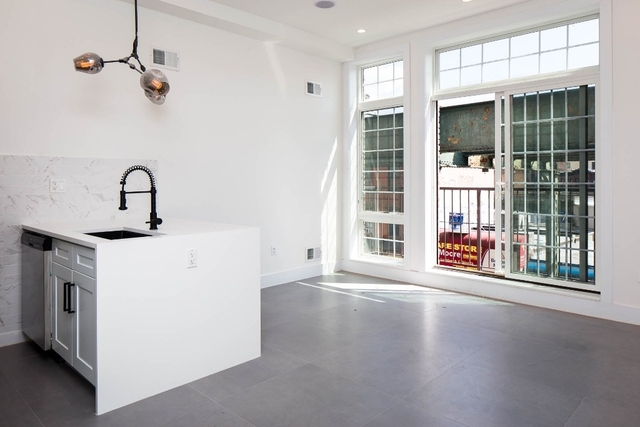 1 Bedroom, Bushwick Rental in NYC for $2,325 - Photo 1