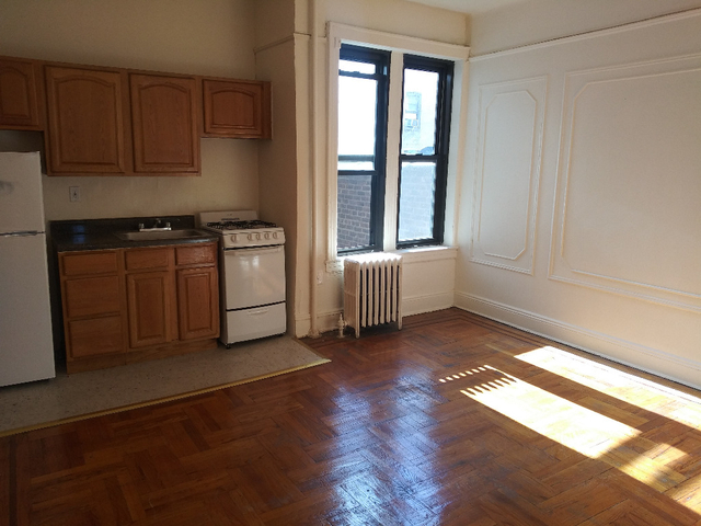 1 Bedroom, Sunnyside Rental in NYC for $1,625 - Photo 2