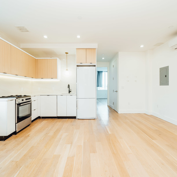 3 Bedrooms, Greenpoint Rental in NYC for $4,100 - Photo 2