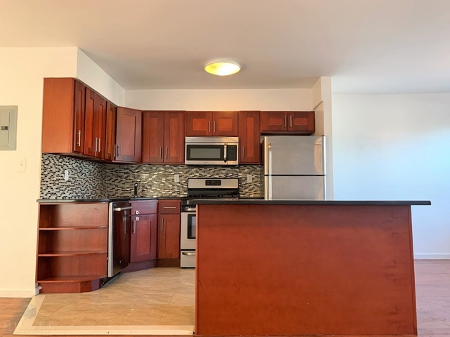 2 Bedrooms, Astoria Heights Rental in NYC for $2,395 - Photo 2