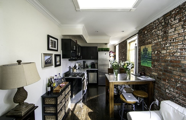 3 Bedrooms, Gramercy Park Rental in NYC for $5,590 - Photo 2