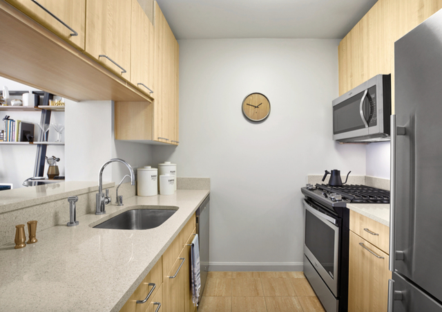 Studio, Hell's Kitchen Rental in NYC for $3,134 - Photo 1