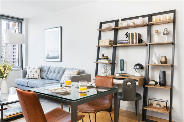 Studio, Hell's Kitchen Rental in NYC for $3,134 - Photo 2
