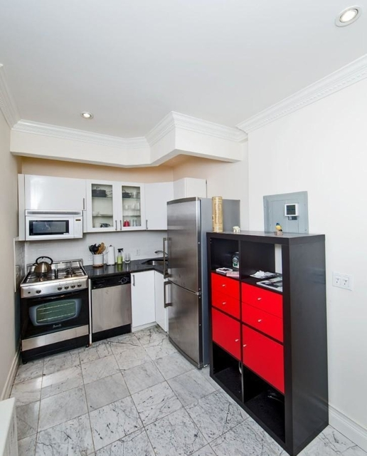 1 Bedroom, Sutton Place Rental in NYC for $2,700 - Photo 2