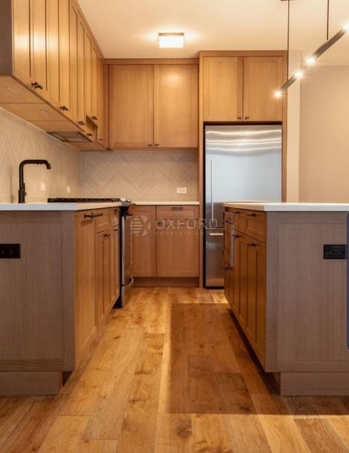 3 Bedrooms, Hell's Kitchen Rental in NYC for $6,390 - Photo 2