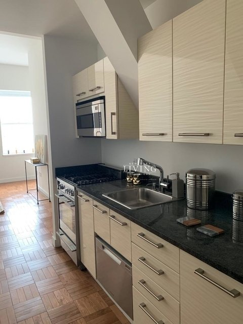 2 Bedrooms, Financial District Rental in NYC for $5,395 - Photo 1