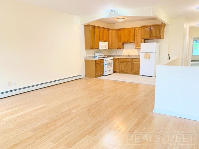 2 Bedrooms, Wingate Rental in NYC for $2,600 - Photo 1