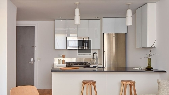 Studio, Hell's Kitchen Rental in NYC for $3,048 - Photo 2