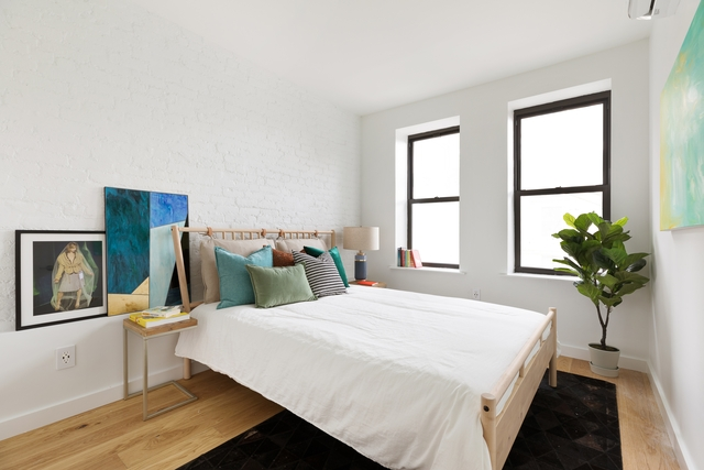 3 Bedrooms, Crown Heights Rental in NYC for $3,570 - Photo 2