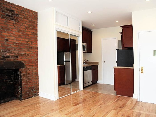 Studio, Bowery Rental in NYC for $2,395 - Photo 2