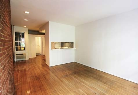 Studio, Yorkville Rental in NYC for $2,125 - Photo 2