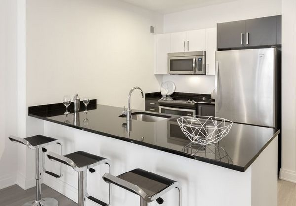 2 Bedrooms, Financial District Rental in NYC for $5,706 - Photo 2