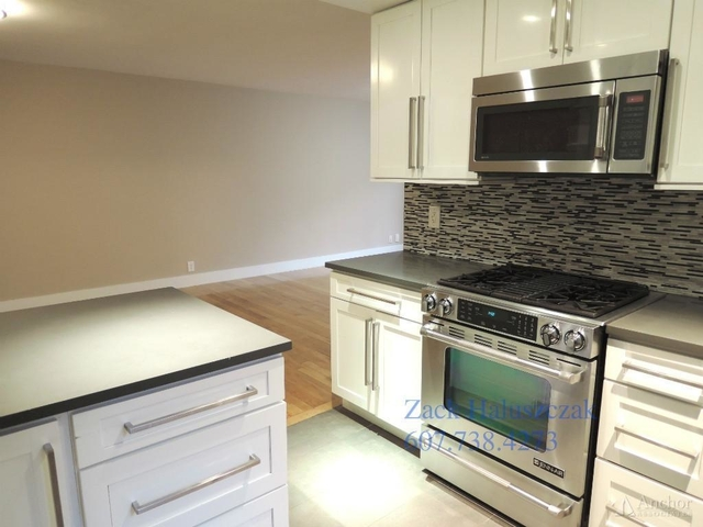 3 Bedrooms, Turtle Bay Rental in NYC for $7,995 - Photo 2