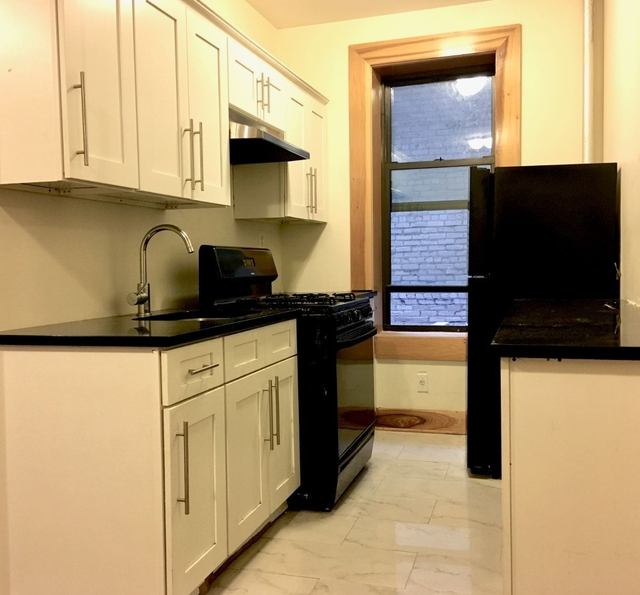 3 Bedrooms, Caton Park Rental in NYC for $2,950 - Photo 2