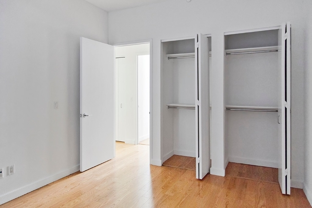2 Bedrooms, Financial District Rental in NYC for $5,821 - Photo 2