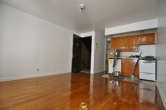 Studio, East Village Rental in NYC for $2,090 - Photo 2