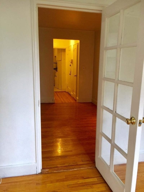 1 Bedroom, Yorkville Rental in NYC for $2,145 - Photo 2
