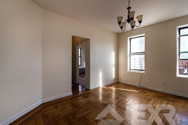 2 Bedrooms, Flatlands Rental in NYC for $1,975 - Photo 2