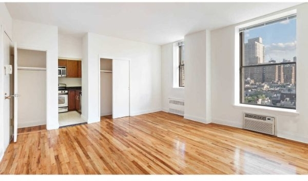 Studio, Upper West Side Rental in NYC for $2,612 - Photo 2