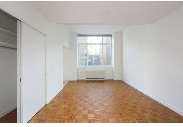 Studio, Lincoln Square Rental in NYC for $2,895 - Photo 2