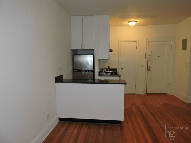 Studio, Lenox Hill Rental in NYC for $2,450 - Photo 1