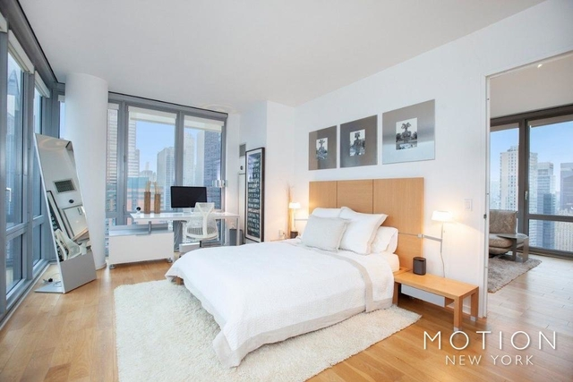 Studio, Hell's Kitchen Rental in NYC for $3,020 - Photo 2
