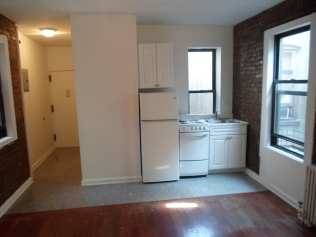 2 Bedrooms, West Village Rental in NYC for $4,295 - Photo 2