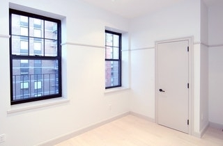 3 Bedrooms, Hell's Kitchen Rental in NYC for $4,840 - Photo 2