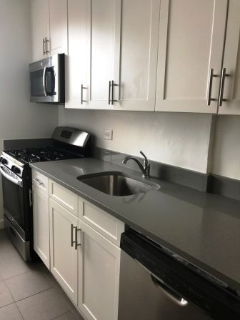 2 Bedrooms, Flushing Rental in NYC for $2,558 - Photo 2