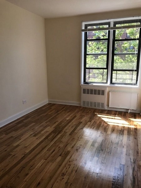 2 Bedrooms, Flushing Rental in NYC for $2,558 - Photo 1