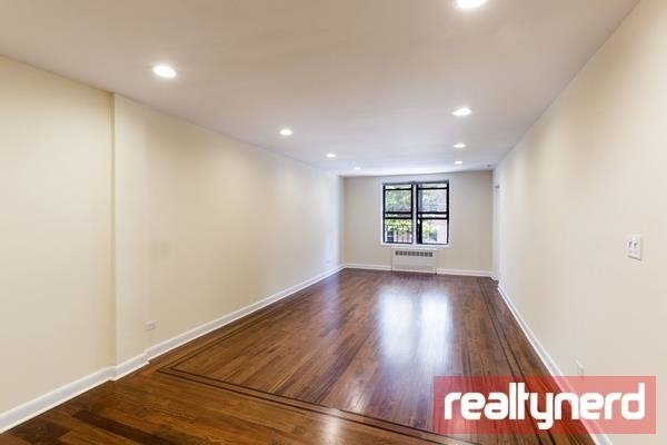 3 Bedrooms, Bay Ridge Rental in NYC for $2,945 - Photo 1