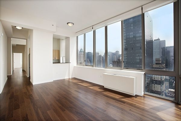 2 Bedrooms, Hell's Kitchen Rental in NYC for $5,499 - Photo 1