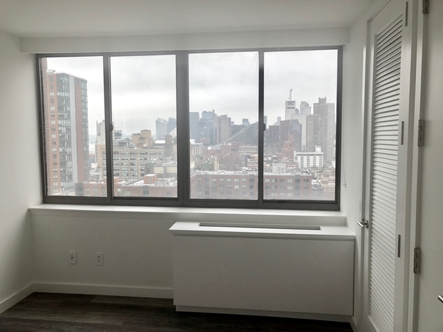 2 Bedrooms, Hell's Kitchen Rental in NYC for $4,175 - Photo 2