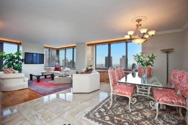 4 Bedrooms, Sutton Place Rental in NYC for $8,500 - Photo 2