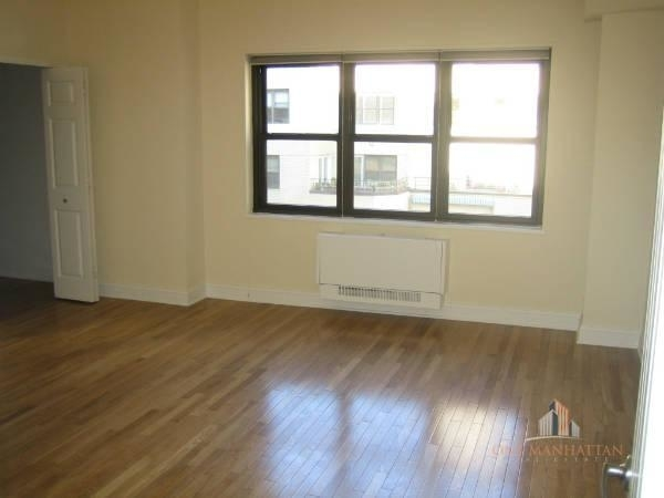 2 Bedrooms, Turtle Bay Rental in NYC for $3,300 - Photo 2