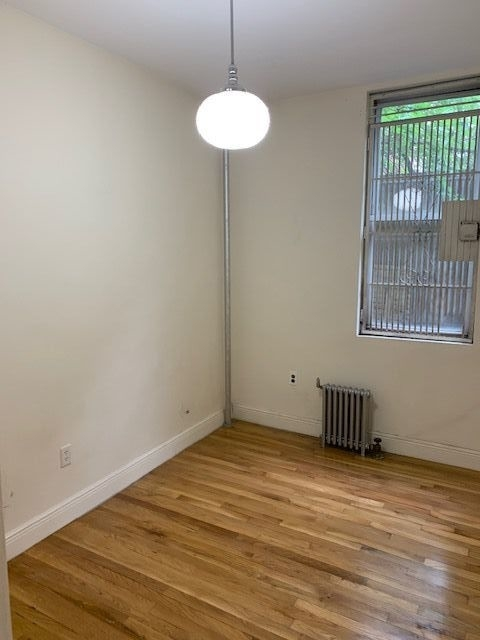 1 Bedroom, Hell's Kitchen Rental in NYC for $2,500 - Photo 2