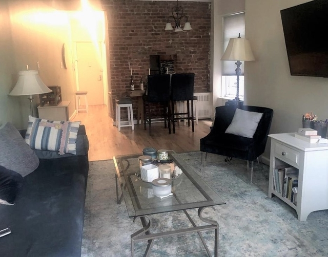 2 Bedrooms, Upper West Side Rental in NYC for $3,275 - Photo 1