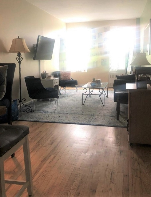 2 Bedrooms, Upper West Side Rental in NYC for $3,275 - Photo 2
