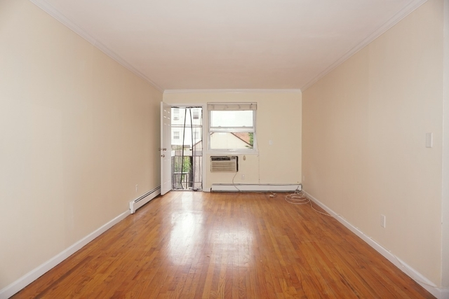 3 Bedrooms, Astoria Rental in NYC for $2,995 - Photo 2