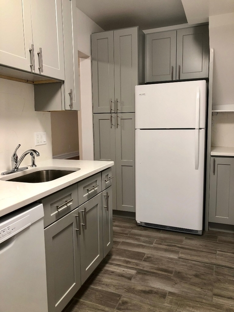 3 Bedrooms, Ditmars Rental in NYC for $3,200 - Photo 1