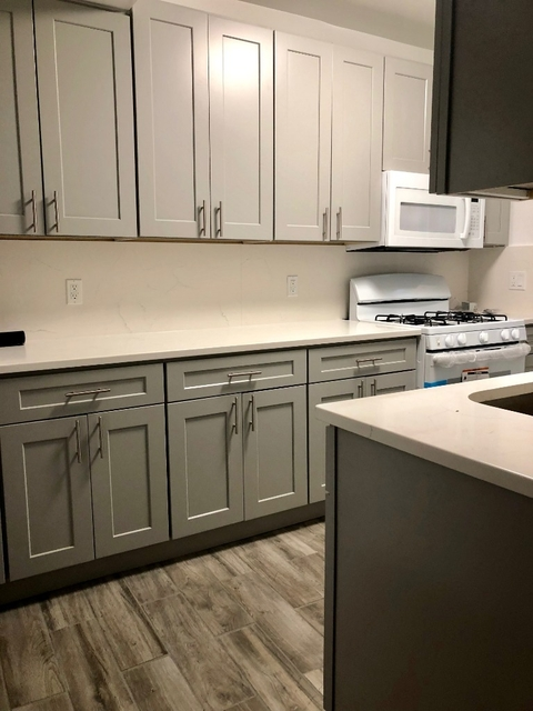 3 Bedrooms, Ditmars Rental in NYC for $3,200 - Photo 2