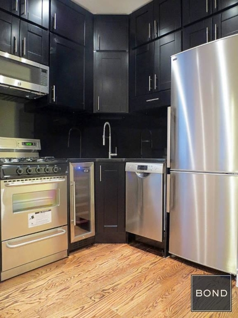 2 Bedrooms, West Village Rental in NYC for $6,395 - Photo 1