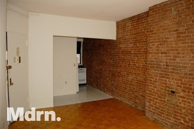 Studio, Yorkville Rental in NYC for $1,835 - Photo 2