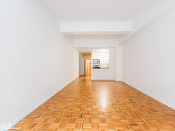 Studio, Financial District Rental in NYC for $4,110 - Photo 2