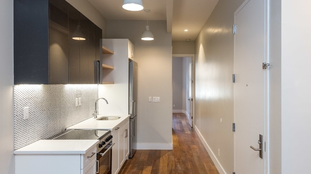 3 Bedrooms, Greenpoint Rental in NYC for $3,350 - Photo 2