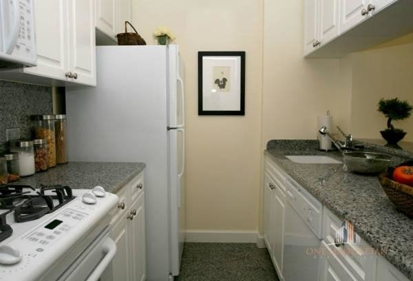 3 Bedrooms, Lincoln Square Rental in NYC for $6,500 - Photo 2